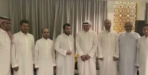 فيديو| بعد عودته من رحلته العلاجية.. تركي آل الشيخ يتحدث عن مفاجئات
