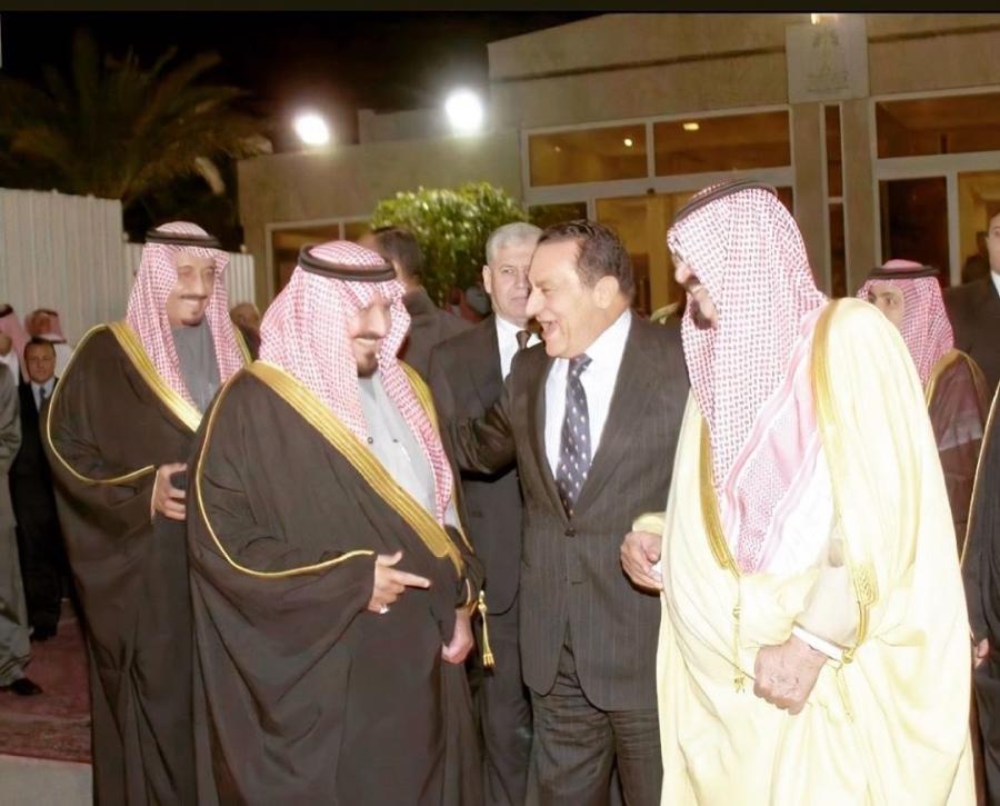 مجموعة من الصور النادرة لقادة السعودية مع الرئيس الراحل #حسني_مبارك