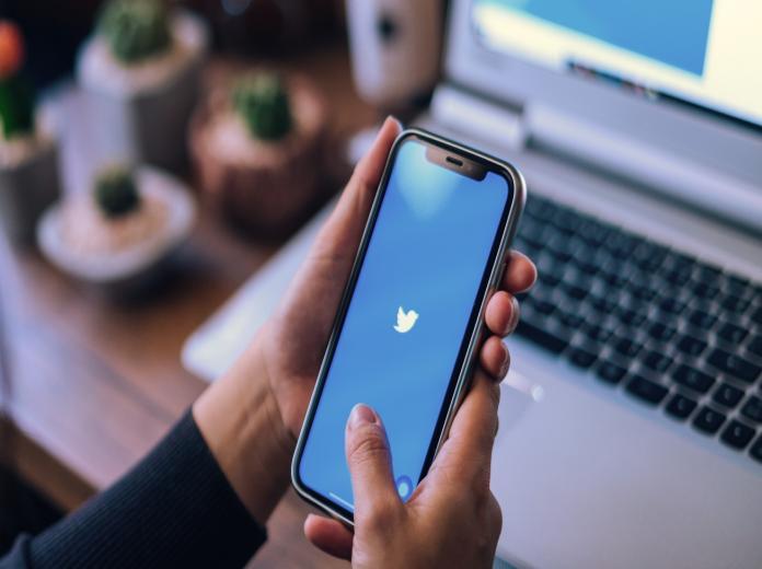 تويتر يفتح الباب أمام تطوير خاصية إخفاء التغريدات