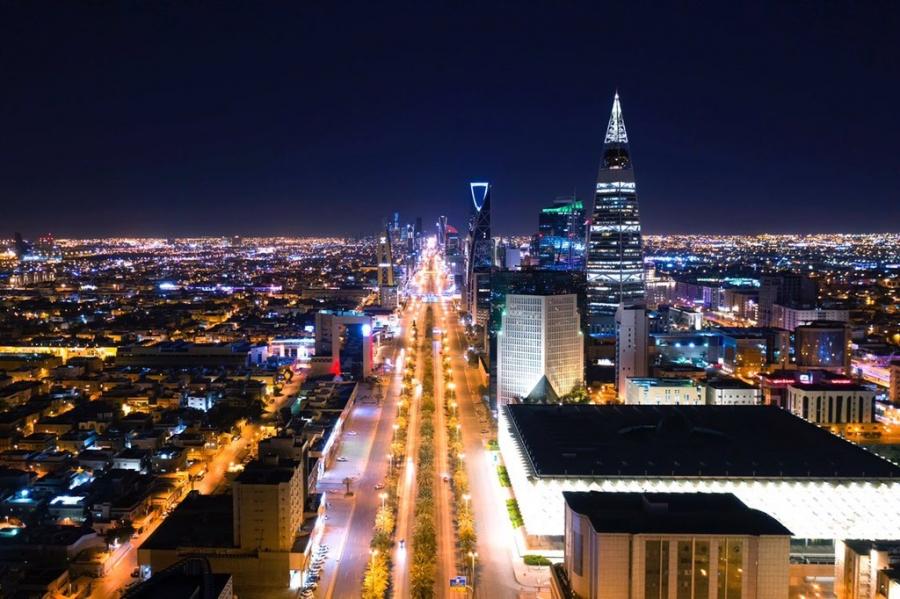 صور من الرياض بعد قرار منع التجول