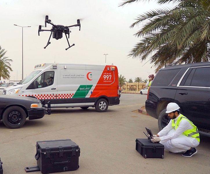 أمانة القصيم تستخدم طائرة درون حرارية لمراقبة درجة حرارة المتسوقين بمدينة الأنعام في بريدة