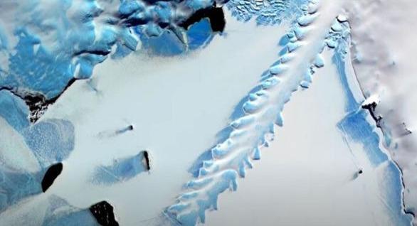 #ناسا تكشف عن الأشياء الغريبة التي حيرت علمائها في أنتاركتيكا