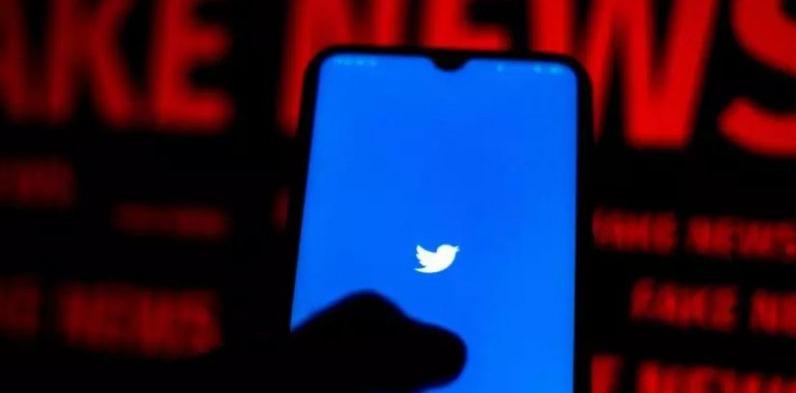 """خاصيّة جديدة تحت الإختبار في """"#تويتر"""" للإبلاغ عن الرسائل المضللة"""