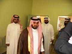 رئيس مركز تنومة يزور مجمع زيد بن ثابت للاطمئنان على سير العملية التربوية