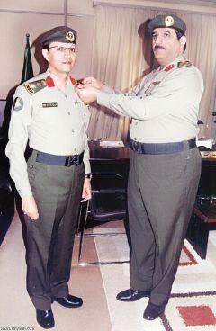 ترقية محمد بن زاهر الشهري إلى رتبة عقيد بجوازات منطقة عسير.