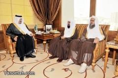 أمير منطقة عسير يستقبل الشيخ مبشر الشهري