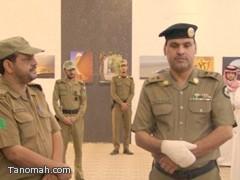 امير الباحة يكرم المقدم عثمات العمري على حسن تصرفه في اخماد حريق شب في مسرح احتفالات