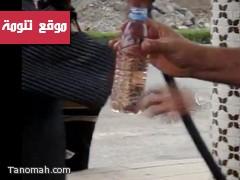 مقطع فيديو صور في رجال المع يكشف خلط البنزين في محطات الوقود