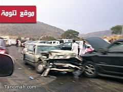 ردائة وضيق الطريق شمال تنومة يتسبب في تصادم مركبتين