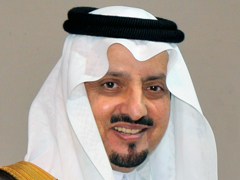 أمير عسير يقدم واجب العزاء في وفاة شقيقة الشيخ الفوزان