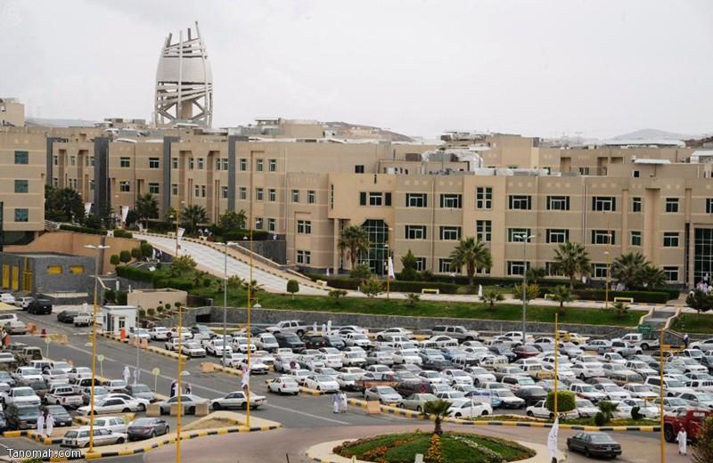 43 ألف طلب قبول في جامعة الملك خالد عبر بوابتها الإلكترونية