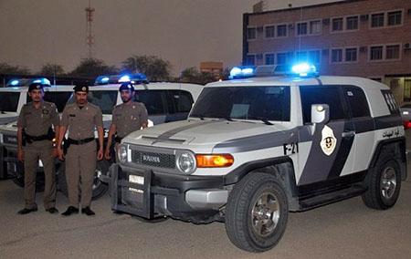 تجمعات الشباب واوضاع نقاط التفتيش على طاولة مدير شرطة عسير
