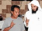 إشهار أثنين من الجالية الفلبينية إسلامهم أثناء طلعة لمكتب الدعوة