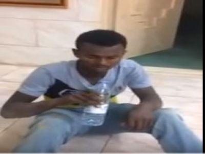#فيديو : #مروج يرفض الشُرب من #المسكر الذي يبيعه