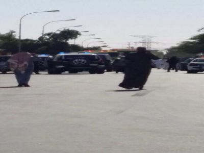 #فيديو :لحظة القبض على أحد المشتبه بهم في #تفجير_الاحساء