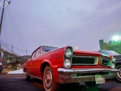 """مزاد السيارات التراثية في مهرجان """"زي زمان"""""""