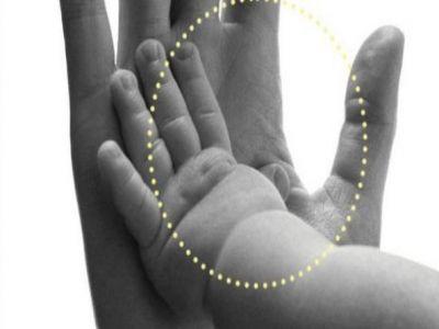 سحر اللمس يساعد في نمو أدمغة حديثي الولادة