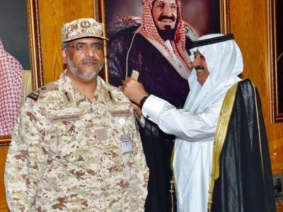 الأمير متعب بن عبدالله يقلَد الشهري رتبة لواء