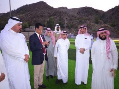 وفد سياحي عربي عالي المستوى في ضيافة نادي ألمع