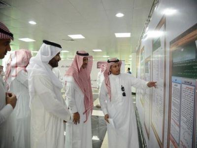 مدير جامعة المملك خالد يرعى اللقاء البحثي الطلابي