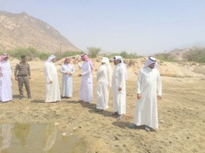 """""""البناوي"""" يقف على مواقع السحب الجائر في وادي بقْرة ويوجه """"الشهري"""" بتشكيل لجنة"""