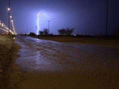 #الدفاع_المدني يباشر حالات احتجاز بسبب أمطار #بيشة