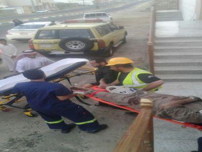 مدني أحد رفيده ينقذ عامل سقط من عمارة تحت الإنشاء