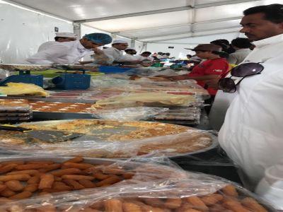 الخيمة الرمضانية للتسوق ببارق تشهد إقبال كبير في أول أيام رمضان