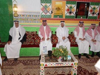 أمير عسير ونائبه يشرفان حفل العشاء بقرية بن حمسان