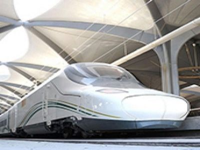 قطار الحرمين يصل مكة المكرمة للمرة الأولى