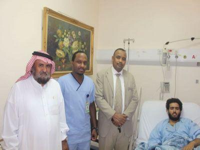 محمد رشيد آل جلي يقدم شكره لكل من قام بزيارة أبنه بالمستشفى