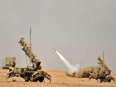 قوات الدفاع الجوي للتحالف تعترض صاروخاً باليستياً أطلقته المليشيا الحوثية باتجاه المملكة
