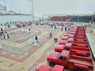 بالصور: #تنومة تشهد عرض كبير للسيارات الكلاسيكية