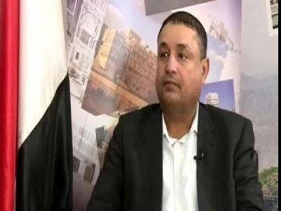 «باقزقوز» يستقيل من منصبه ويفضح ممارسات الميليشيات الحوثية
