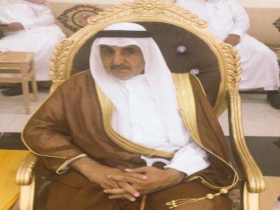 شيخ قبيلة العُمرة بني شهر  يغادر مدينة الملك فهد الطبية