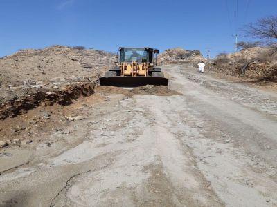 بلدية بارق تفتح الطرق و تنزح تجمعات المياه وتواصل تأهبها للحالة المطرية