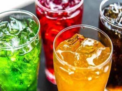 تعرف على التأثير السلبي لاستهلاك المشروبات المحلاة على صحتك