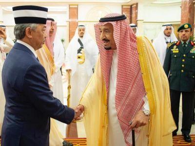 خادم الحرمين الشريفين يستقبل ملك ماليزيا