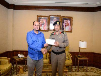 الأمير #تركي_بن_طلال يكرم مقيم #مصري بثلاثة اضعاف مبلغ مالي اعاده