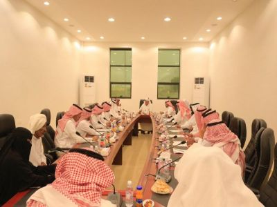 محافظ بارق يرأس الجلسة الطارئة للمجلسيين المحلي والبلدي بمركز ثلوث المنظر