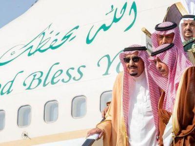 خادم الحرمين يصل إلى الرياض قادماً من جدة