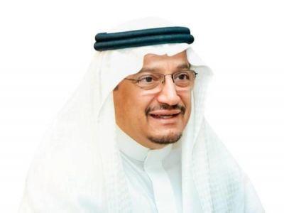 وزير التعليم يعتمد الاختبارات التحريرية لمواد المرحلتين الابتدائية والمتوسطة