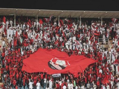 مشجع مصري يتعرض لأزمة قلبية حزناً على خسارة الرائد.. ورئيس النادي يتكفل بعلاجه