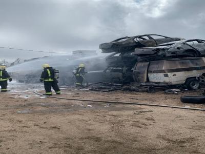 """""""لحام"""" يتسبب في حريق تشليح سيارات بـ #أبها"""
