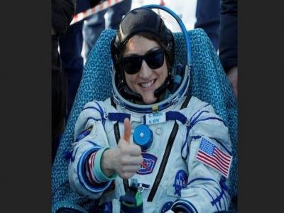 رائدة الفضاء الأمريكية كريستينا كوك تعود للأرض بعد مهمة قياسية