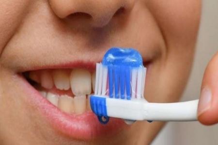 أخطاء رئيسية عند تنظيف الأسنان
