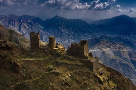 الحصون والقلاع معالم تاريخية في بني مالك