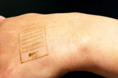 تطوير جلد اصطناعي يتفاعل مع الألم يحدث نقلة في مجال الأطراف الصناعية والروبوتات