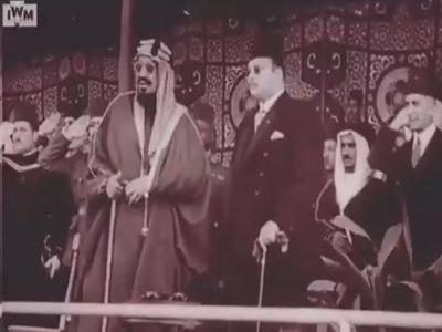 #فيديو نادر : الزيارة التاريخية لـ #الملك_عبدالعزيز - رحمه الله- لـ #مصر واستقبال الملك فاروق له