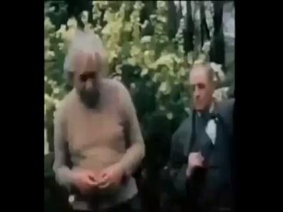 فيديو نادر للعالم الفيزيائي آينشتاين